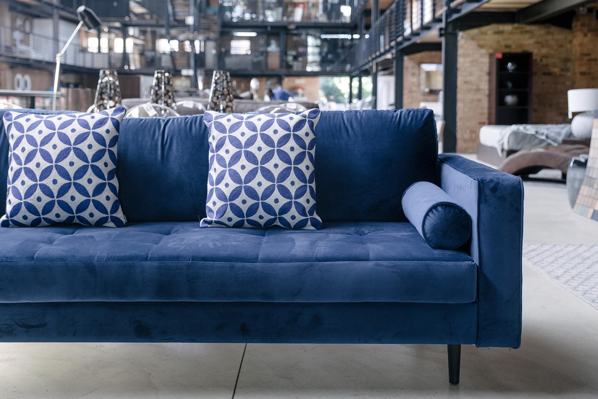 Fabric Lounge Suites - Local